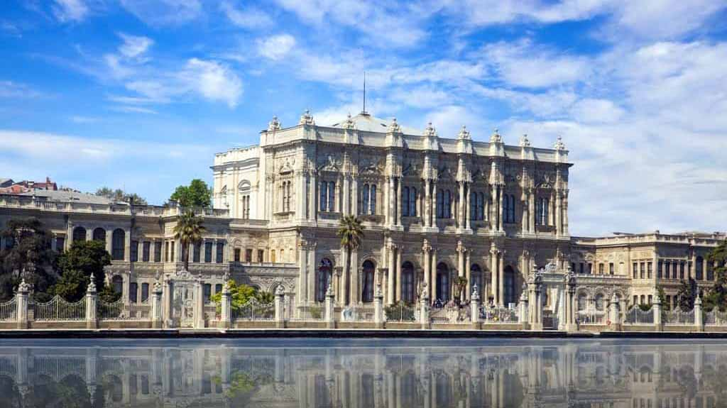 Dolmabahce-Palace-min