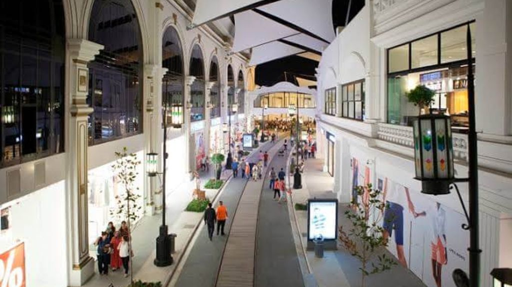 Isfanbul Mall - Shopping in Istanbul