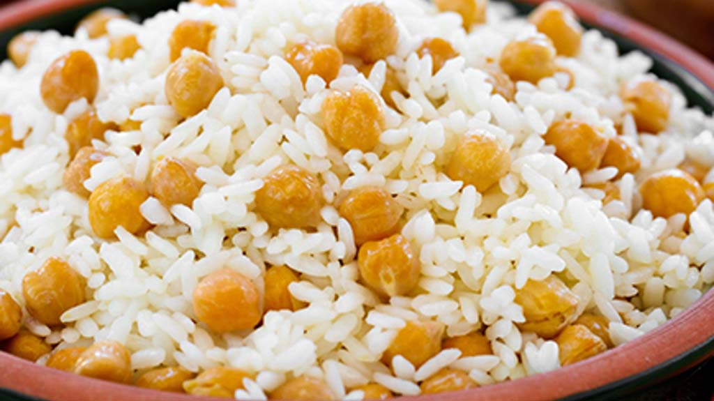 Chickpeas and Pilaf - Istanbul street food
