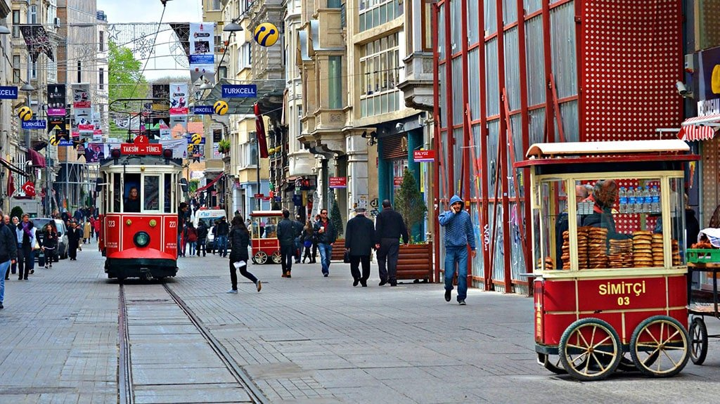 Top Turkish Street Food in Istanbul You Must Try
