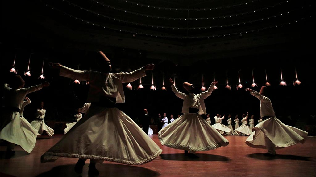 where-to-watch-whirling-dervishes-in-istanbul-min